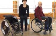 Техника передвижения в инвалидной коляске