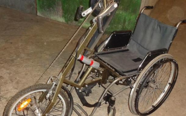 Продается коляска+велоприставка
